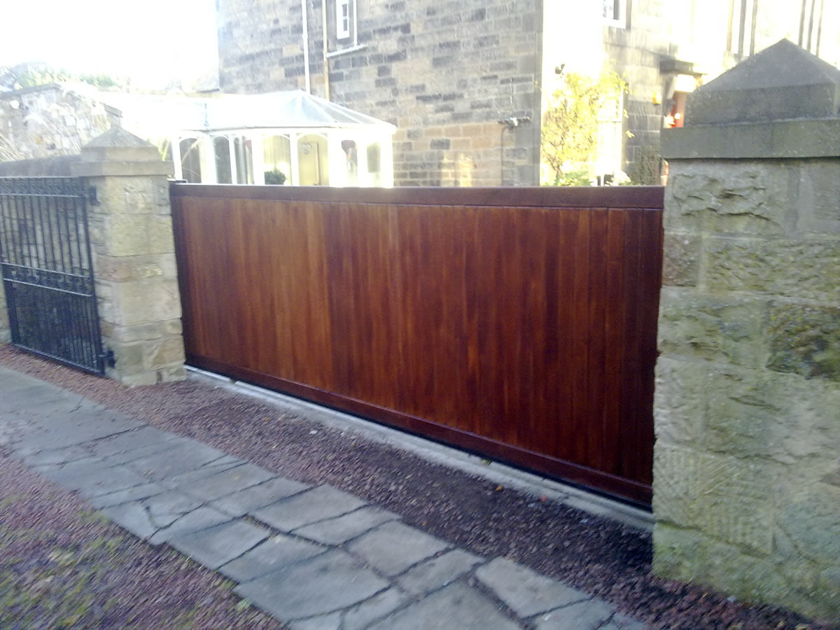 Timber Wooden Driveway And Pedestrian Gates W Campbell Amp Son